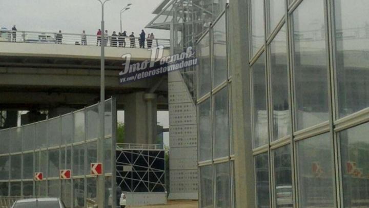 В Ростове спасли человека, пытавшегося спрыгнуть с Ворошиловского моста