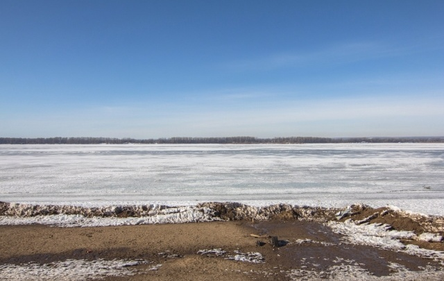 В Тольятти полицейские поймали 11-летнего мальчика, который прыгал по льдинам