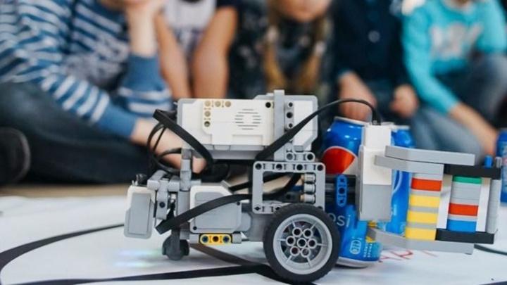 Первый отечественный набор по созданию робота представили в столице Поморья