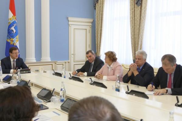 Азаров провел совещание с депутатами Госдумы от Самарской области