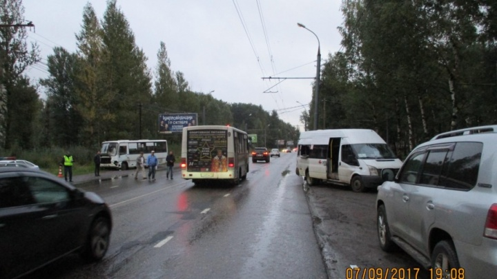 В Ярославле столкнулись две маршрутки: пострадал ребенок