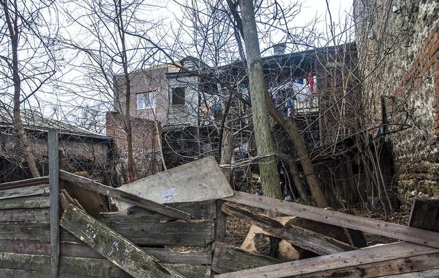 На переселение таганрожцев из непригодных для жилья домов потратят 20 млн рублей