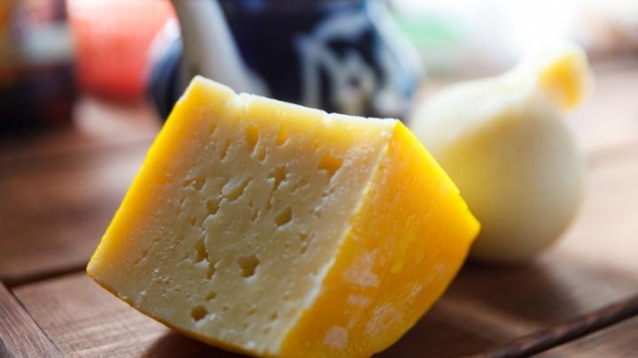 Тюменские любители сыра, которые наворовали «Ламбера» на 150 тысяч рублей, отправятся под суд