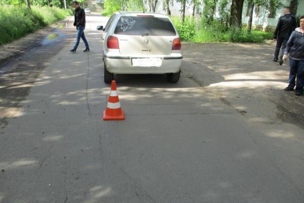 Ребенок пострадал под колесами авто