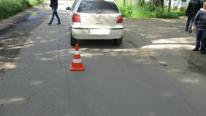 В Ярославской области малыш попал под авто, когда отец отвлекся