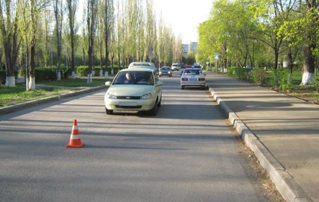 В Тольятти девятилетняя девочка выбежала на дорогу прямо под колеса автомобиля
