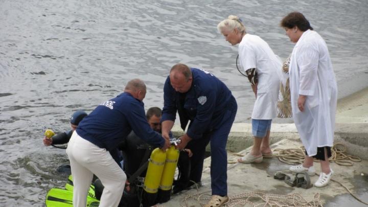 Из пруда в поселке Горьковском достали утонувшего купальщика