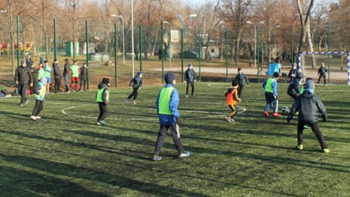 Опробовали новое поле: в Самаре появилась футбольная площадка