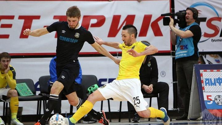 Тюменские футболисты вырвали победу у москвичей за 10 секунд до финальной сирены