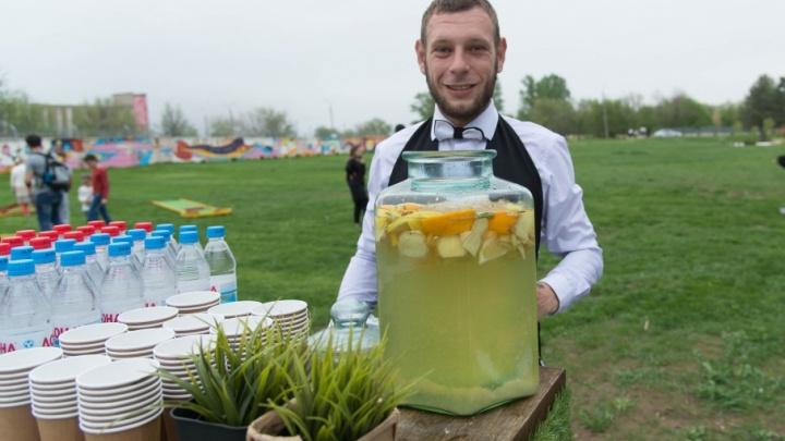 «Долой официоз»: в аэропорту Волгограда устроили вечеринку рядом с новым терминалом
