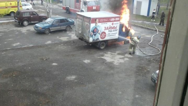 Утром в Тюмени сгорела грузовая «Газель»