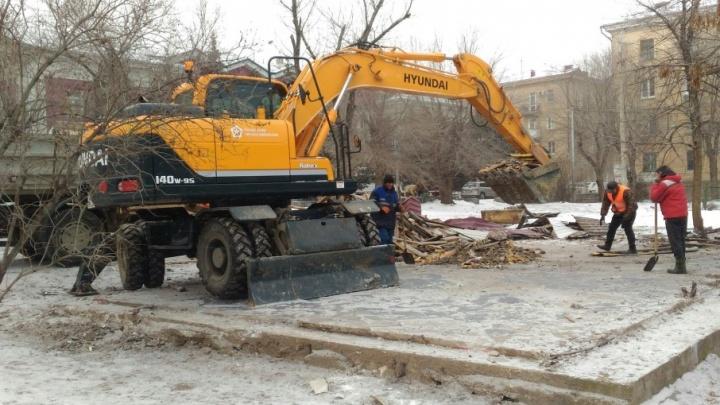 Сурский сквер в центре Волгограда распрощался с «Натали»