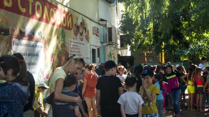 В Ростовской области дети отдыхают в летнем лагере без столовой и медпункта