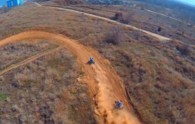 В Волжском гонки на мотоциклах сняли с высоты птичьего полета