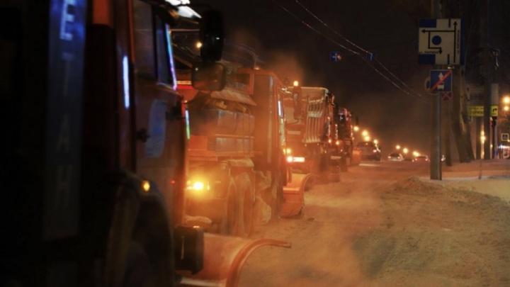 За ночь с ростовских улиц убрали шесть тысяч тонн снега