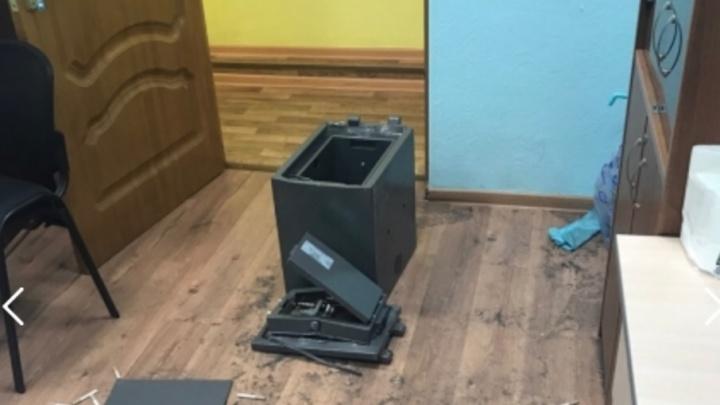 В Самаре двое мужчин провернули аферы со вкладами на 10 млн рублей