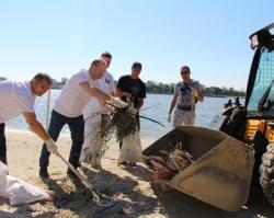 Ростовский водоканал провел второй субботник на Зеленом острове