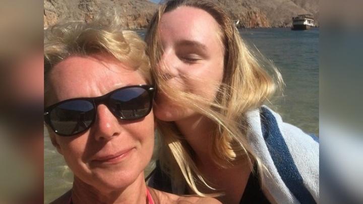 На отдыхе в ОАЭ жительница Рыбинска попала под колёса джипа