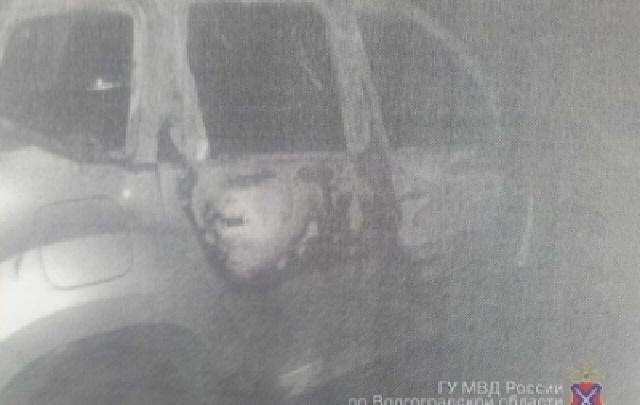 16-летний подросток сжег машину отца своей девушки в Волгограде