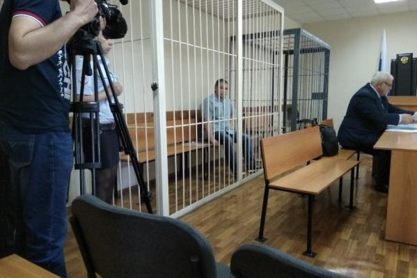 Павел Чермашенцев перед началом заседания