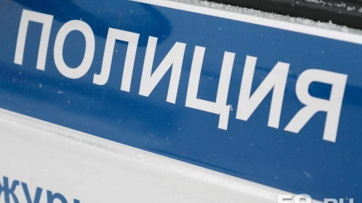 В Перми бездомный с ножом напал на людей на остановке