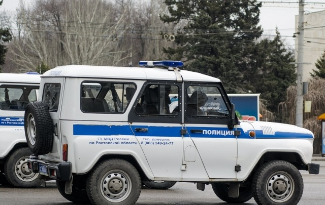 На Зорге в Ростове в открытую «обчистили» прохожего