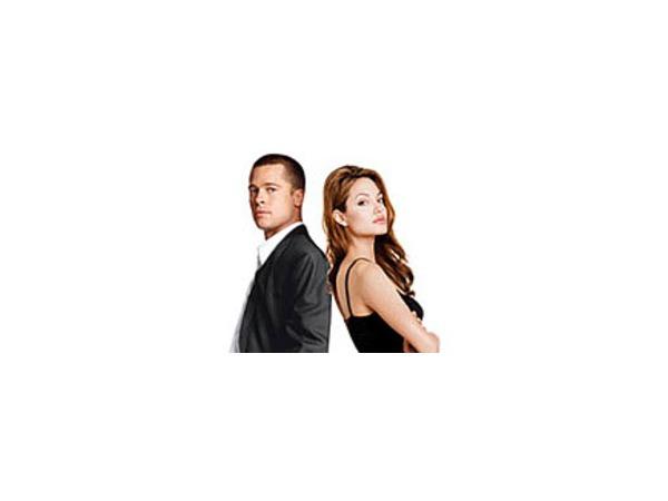 """Официальный постер к фильму """"Мистер и миссис Смит"""""""
