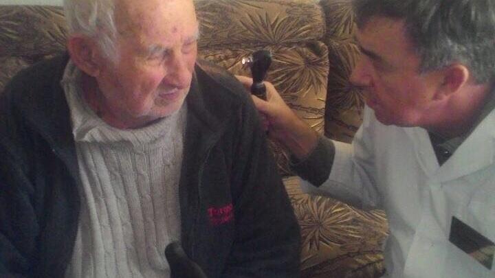 В Первомайском районе лор, окулист и невролог выедут на дом для лечения пенсионеров
