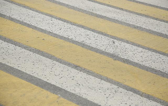 В столице Поморья водитель «Шевроле» вылетел на красный и сбил пешехода