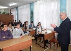Специалисты Волжской ГЭС провели уроки по энергосбережению