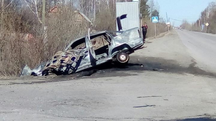 ДТП в районе дач на Московском тракте: Daewoo Nexia улетела в кювет и сгорела