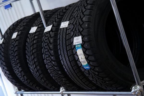 Поменять шины в тюменских СТО стоит от 1000 до 1300 рублей