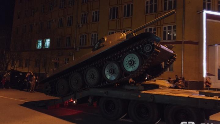 Рев моторов и колонна в 500 м: в Самару пригнали военную технику для парада