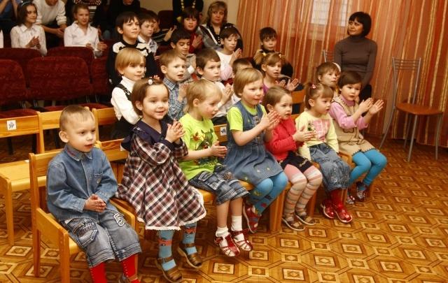 Воспитанники детдома в Поморье появятся в эфире Первого канала в эти выходные