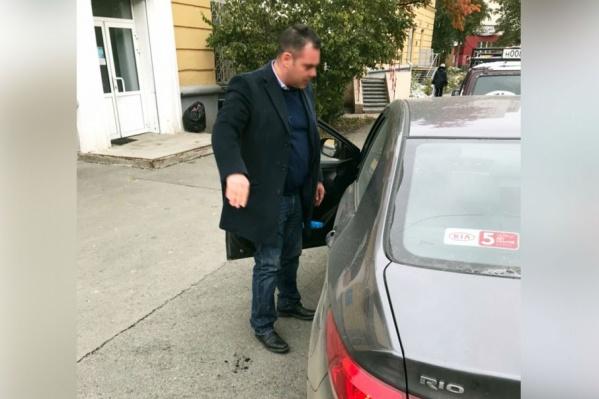 Читатель 74.ru сфотографировал одного из торговцев поддельными бензогенераторами