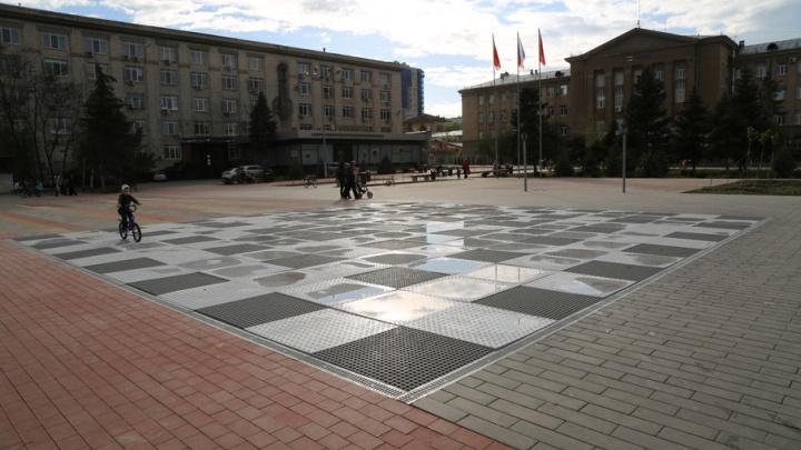 Фонтан на площади Советской не починили к обещанному сроку