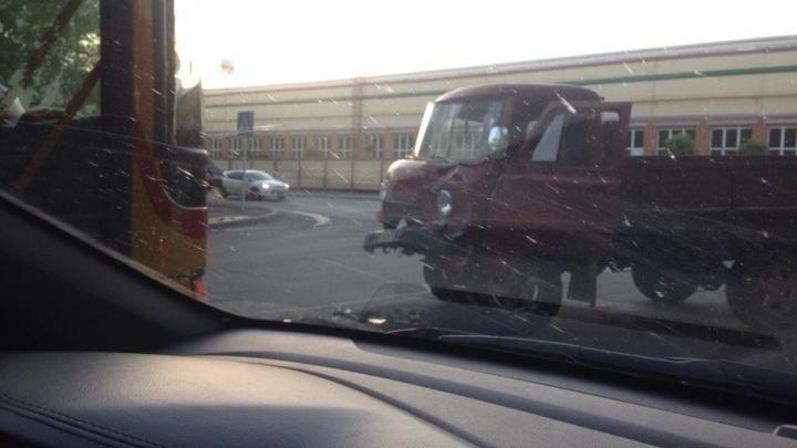 Пьяный тюменец на УАЗе устроил аварию с автобусом №30