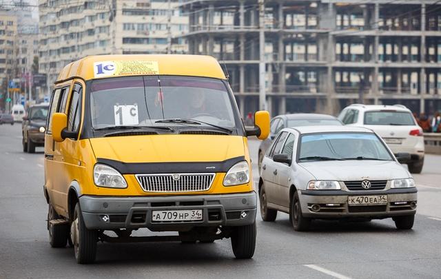 В Волгограде увольняют маршрутчиков и закрываются фирмы-перевозчики