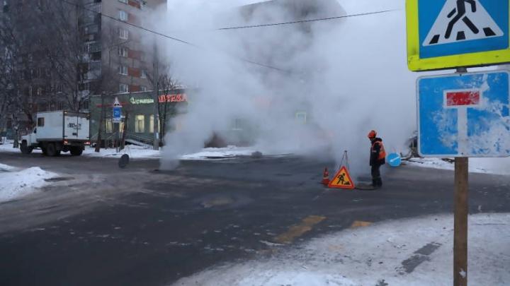 В Октябрьском округе устранят аварию на теплосетях