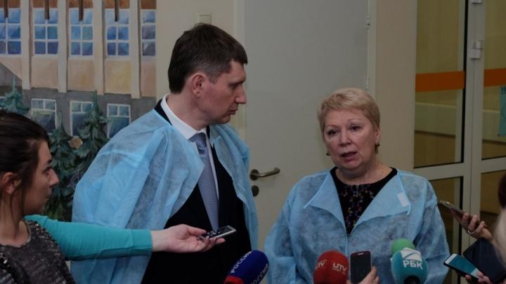 Глава минобра приехала в Пермь, учительница пришла в сознание. Как развиваются события после ЧП в школе
