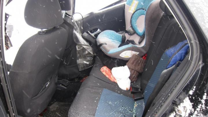 В Прикамье в аварии погибла женщина, пострадали ее ребенок и супруг