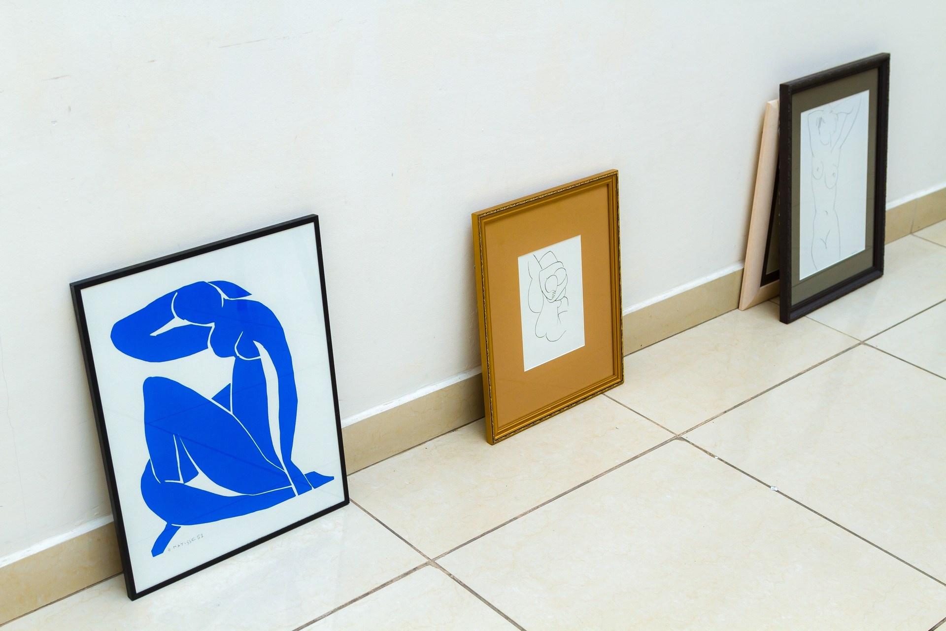 «Голубая обнаженная» стала символом выставки «Линия любви»