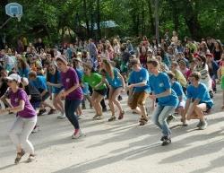 «Поколение М» танцует вместе с ребятами из «Орленка»