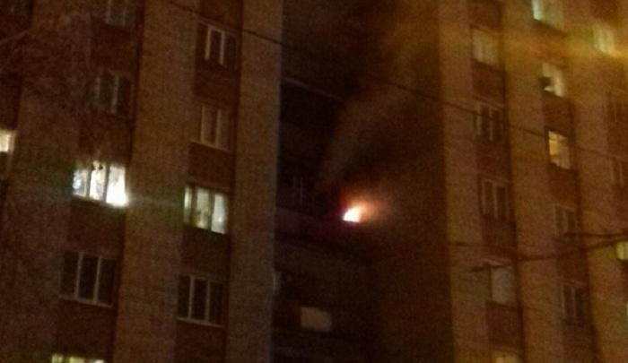 Жильцов дома на улице Олимпийской эвакуировали из-за пожара на балконе