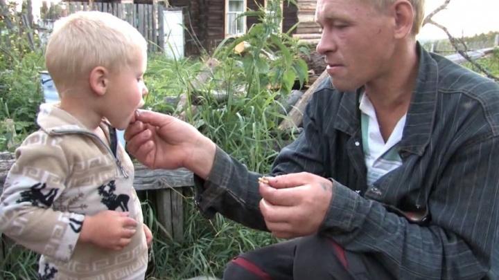 Единственные жители в вымершем селе. Офицер ГУФСИН Прикамья сняла кино о жизни без денег и цивилизации