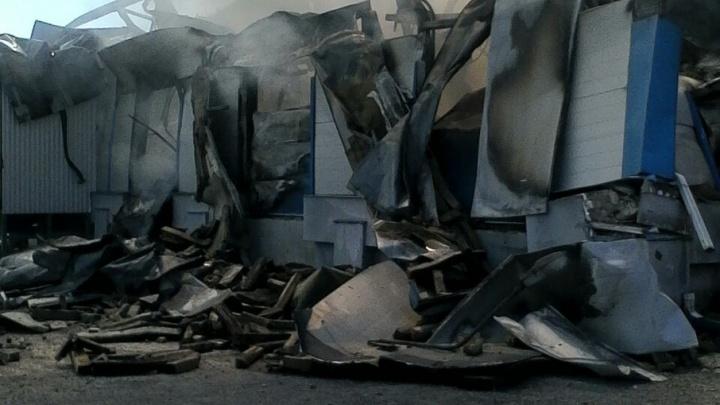 Склад с булками загорелся под Ростовом