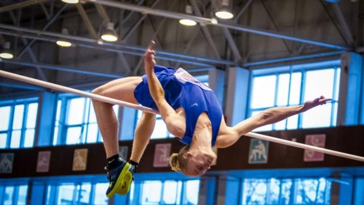 50 тысяч за победу: смотрим, как лучшие прыгуны России покоряли высоты в Челябинске