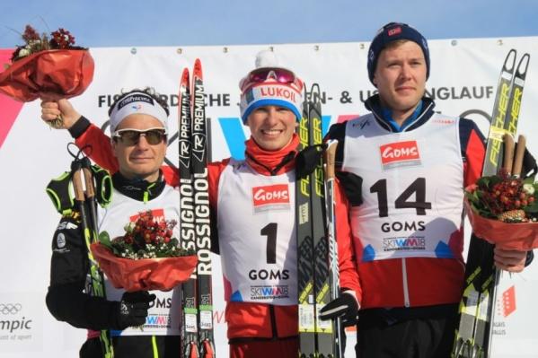 Денис Спицов (в центре)