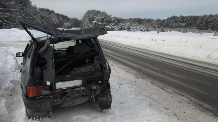 В Котласском районе водитель фургона не поделил дорогу с LADA Samara