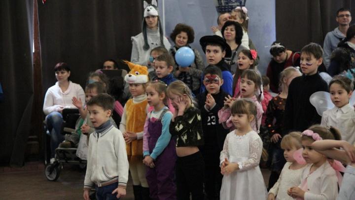 В Волгограде для детей-инвалидов устроили рождественское чудо